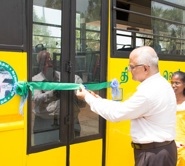 VSeEC bus ribbon cutting 2018